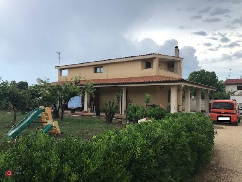 VEN 401  Vendesi in Contrada Santa Teresa, Brindisi/villa indipendente