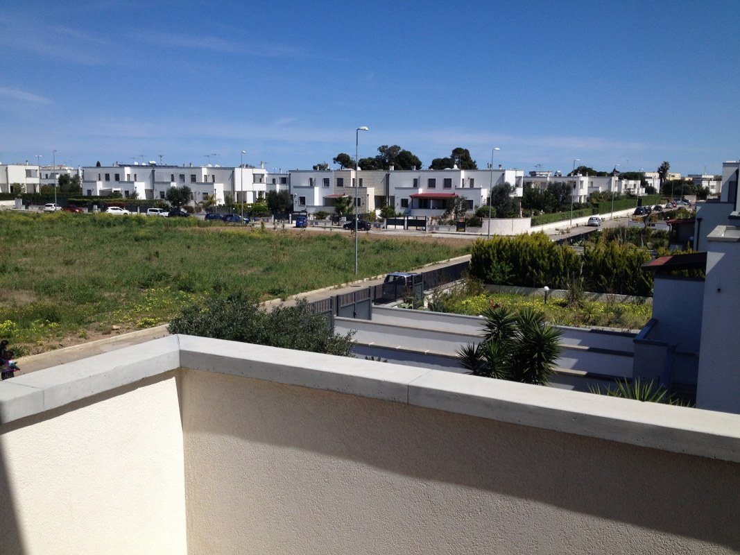 aam 640  In Affitto, villa a schiera in Via Madrid Brindisi/Nice attached villa to rent in Brindisi